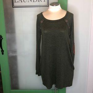 Twenty second dress with pockets sz Large